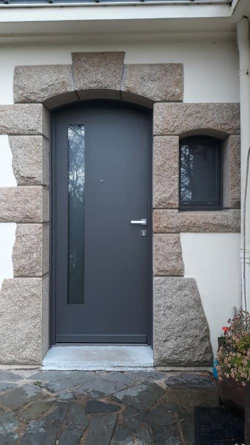 Installation porte entrée alu et fenêtre cintrée - Kervignac