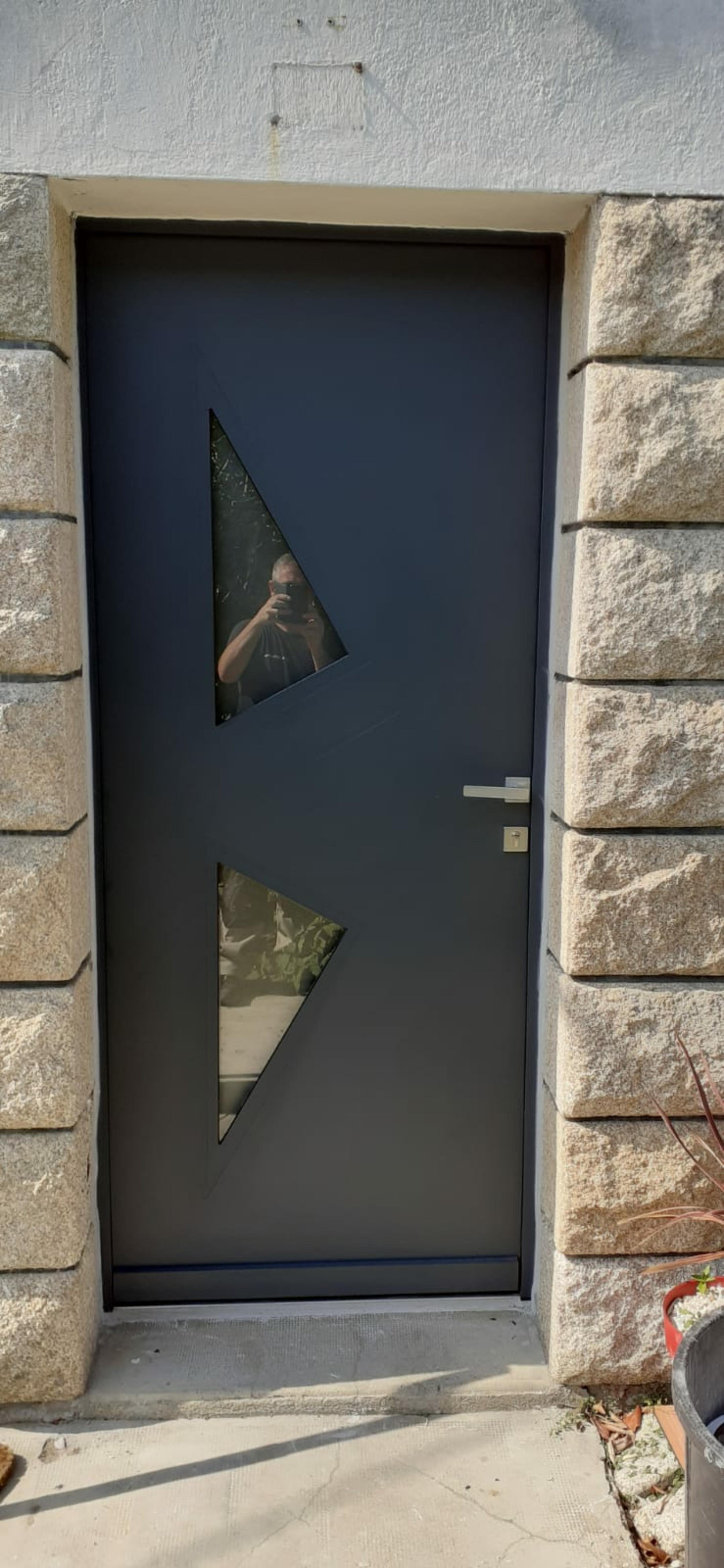 Porte d''entrée alu bi-color intérieure-extérieure