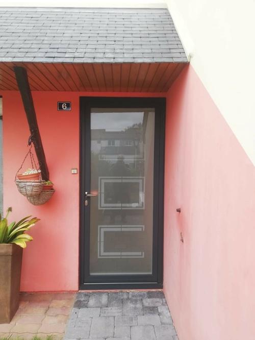 Porte d''entrée cadre alu et verre sablé avec sérigraphie - Hénnebont