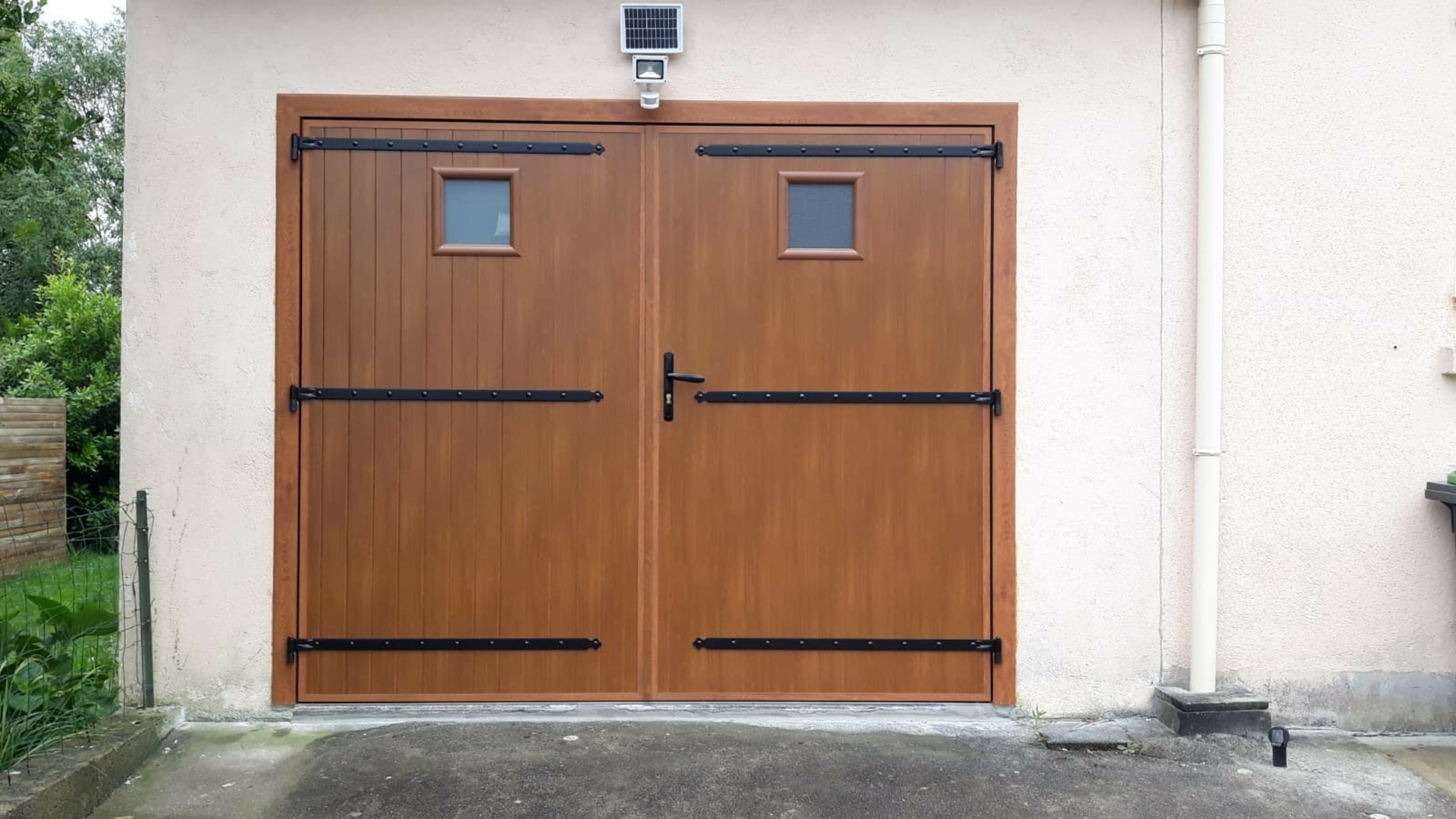 Porte de garage alu effet bois - Gestel