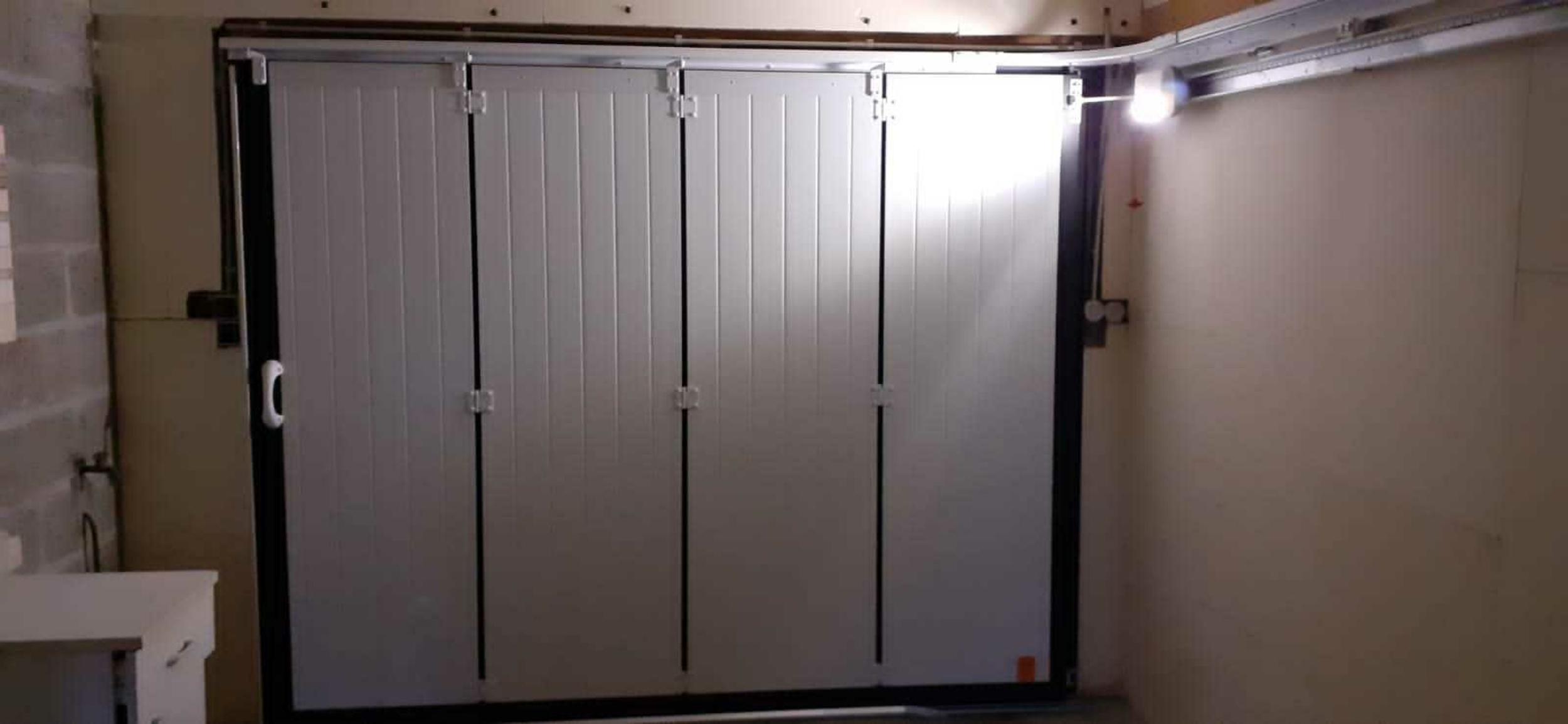 Porte de garage motorisée - 4 vantaux - Hennebont