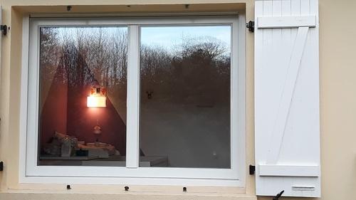 Pose de fenêtre Fibre -RAU Fipro - Art & Fenêtres - Hennebont