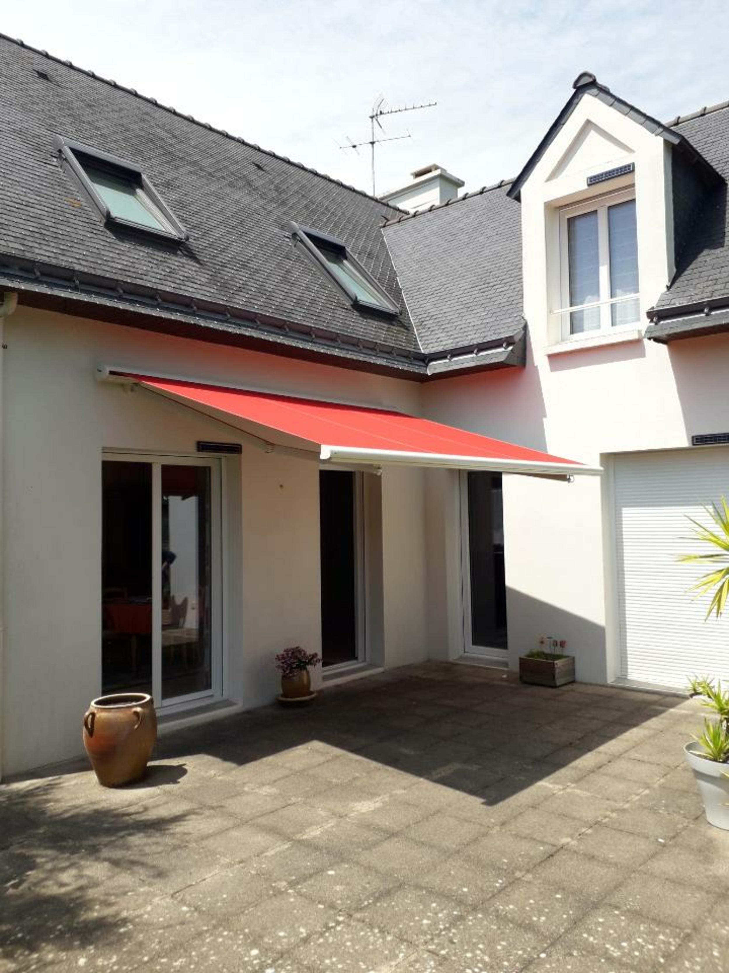 Pose d''un store-banne - Morbihan (56)