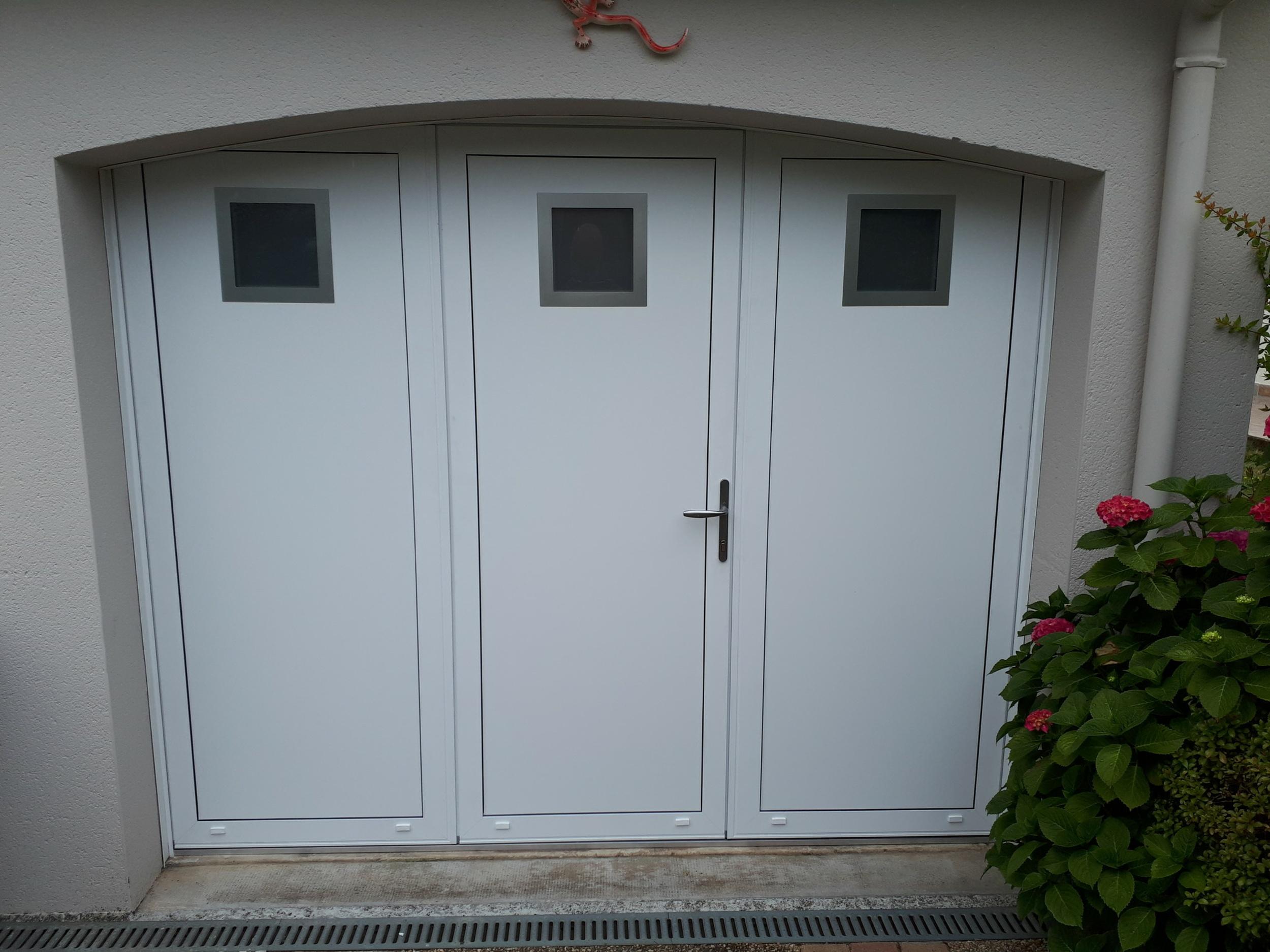 Pose d''une porte de garage - Lorient