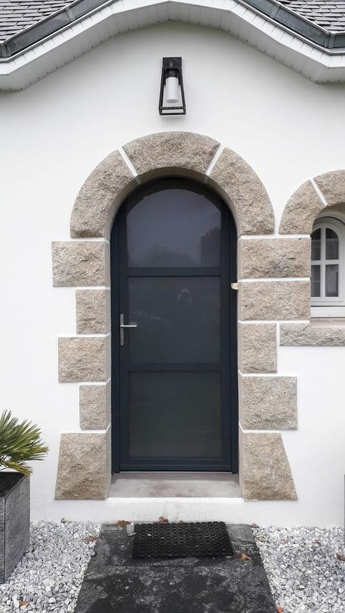 Rénovation porte d''entrée cintrée alu - Guidel