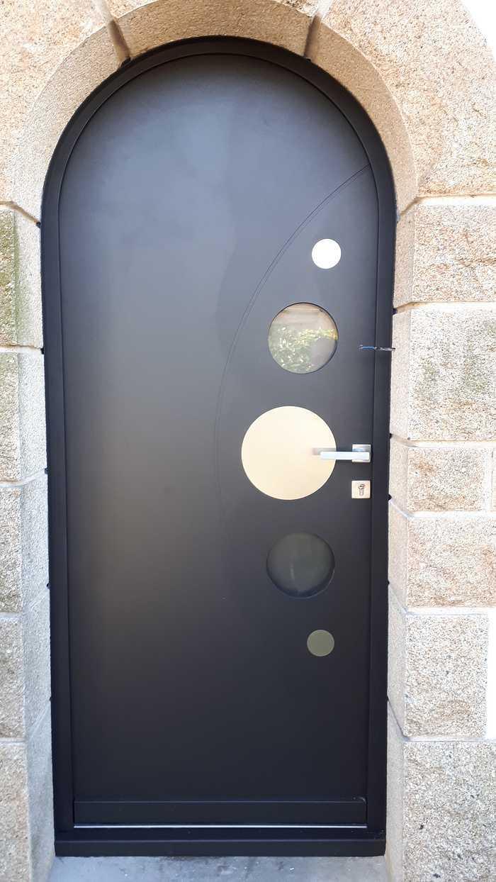 Pose d''une porte d''entrée aluminium - Lanester (56) 0