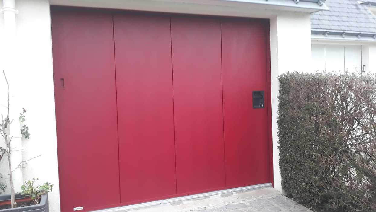 Porte de garage à déplacement latéral- avec portillon - Lanester 0