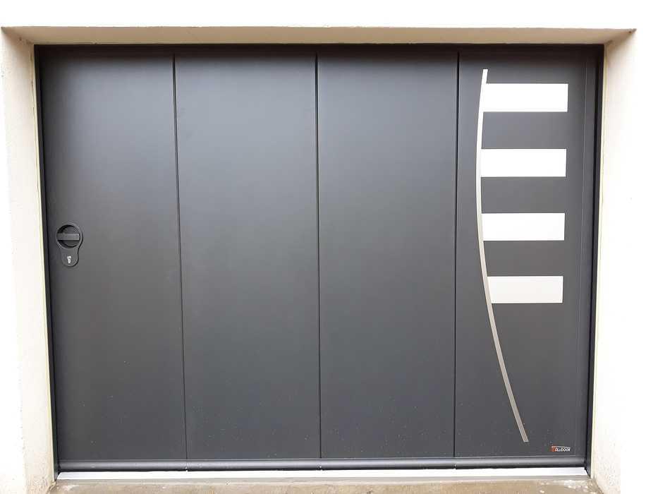 Porte de garage latérale motorisée - 4 vantaux 0