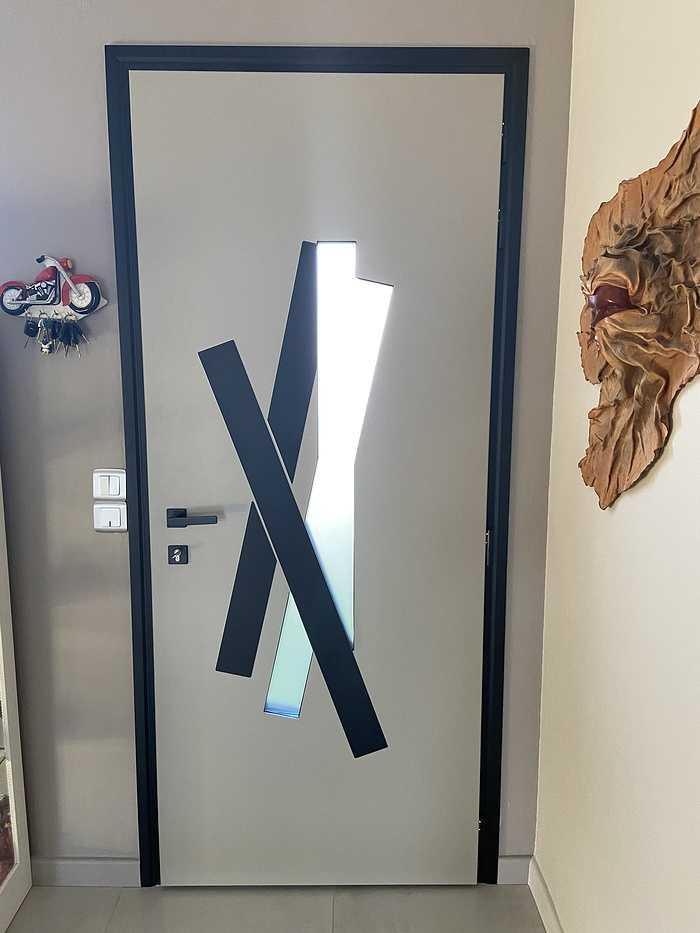 Porte d''entrée alu avec cadre et insert noirs- Hennebont fichier0008