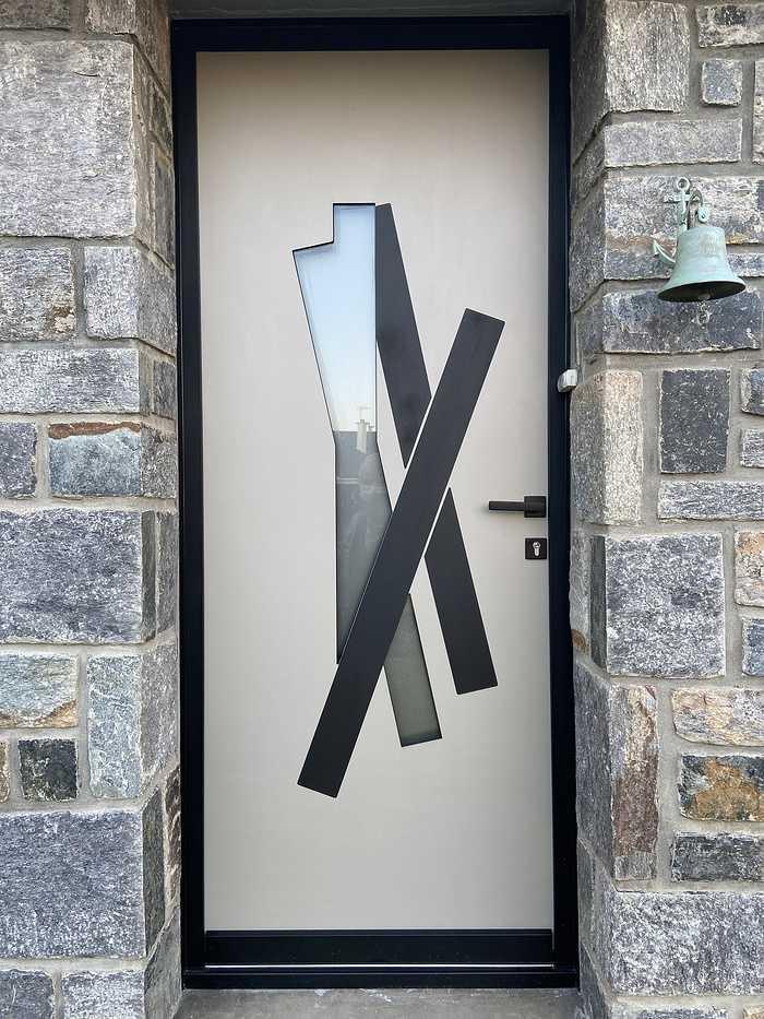 Porte d''entrée alu avec cadre et insert noirs- Hennebont 0