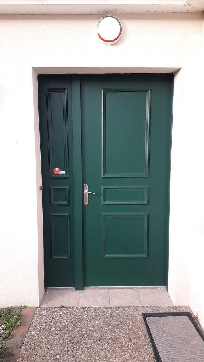Porte d''entrée avec tierce vitrée - Avant / après - Larmor Plage photo-2021-04-01-18-37-07