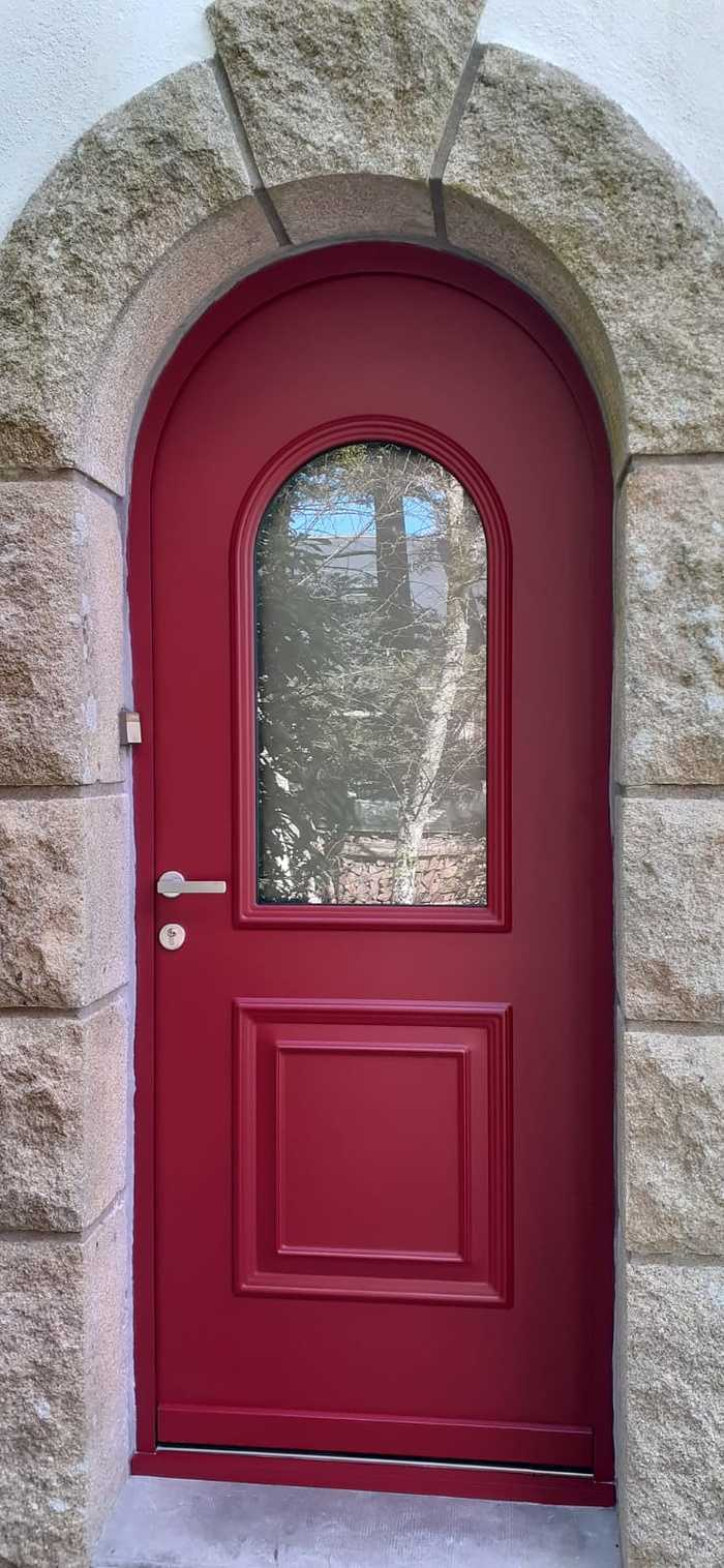 Porte d''une porte d''entrée Monalu avec contre dormant cintrée - Caudan 0