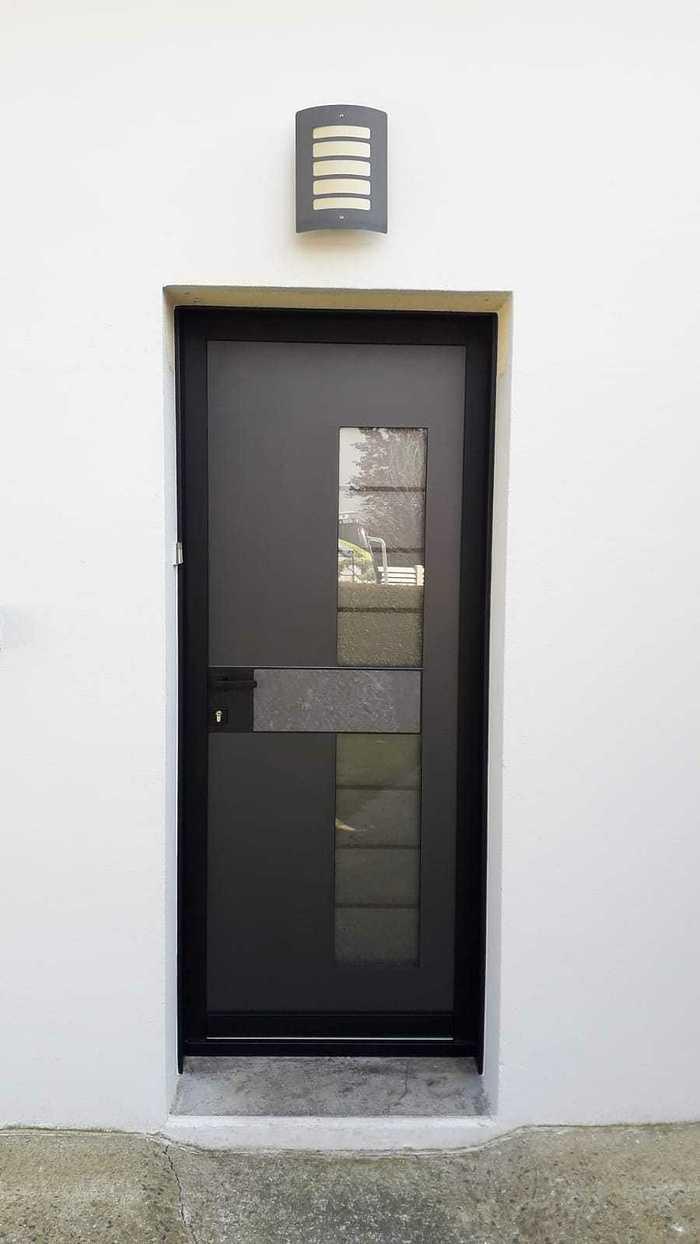 Avant/aprés : porte d''entrée avec insert granit - Queven photo-2021-04-25-16-27-00