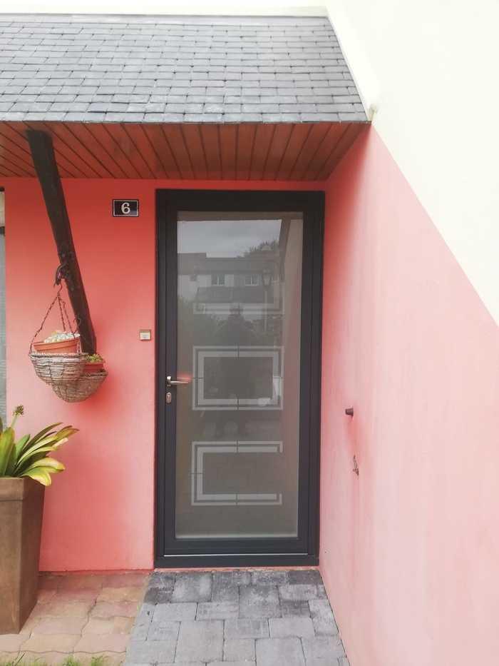 Porte d''entrée cadre alu et verre sablé avec sérigraphie - Hénnebont 0