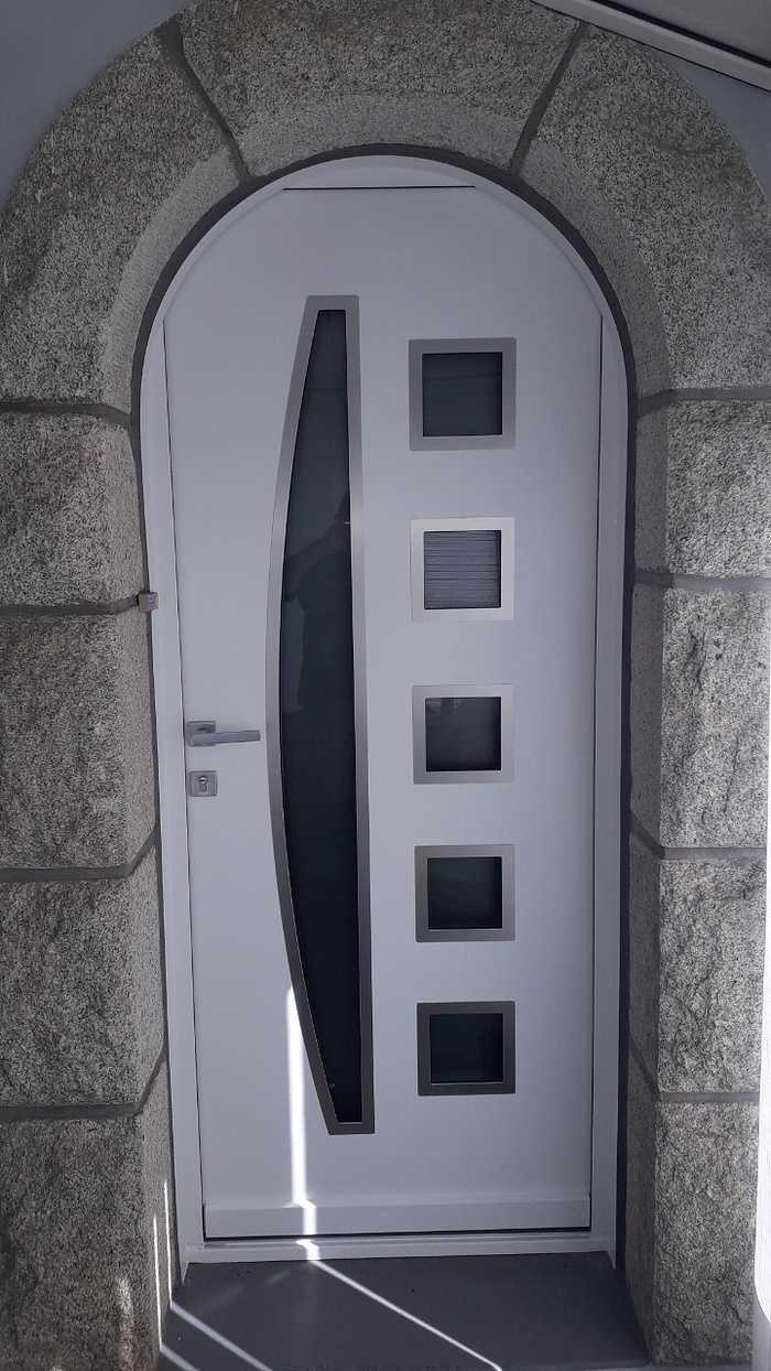 Pose d''une porte d''entrée - Merlevenez (56) 0
