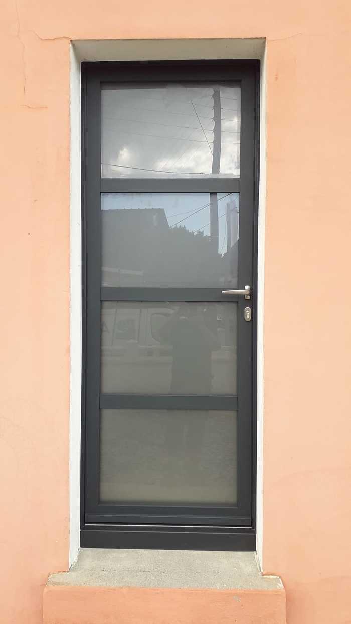 Porte d''entrée alu et verre sablé : renovation img-20200901-wa0007