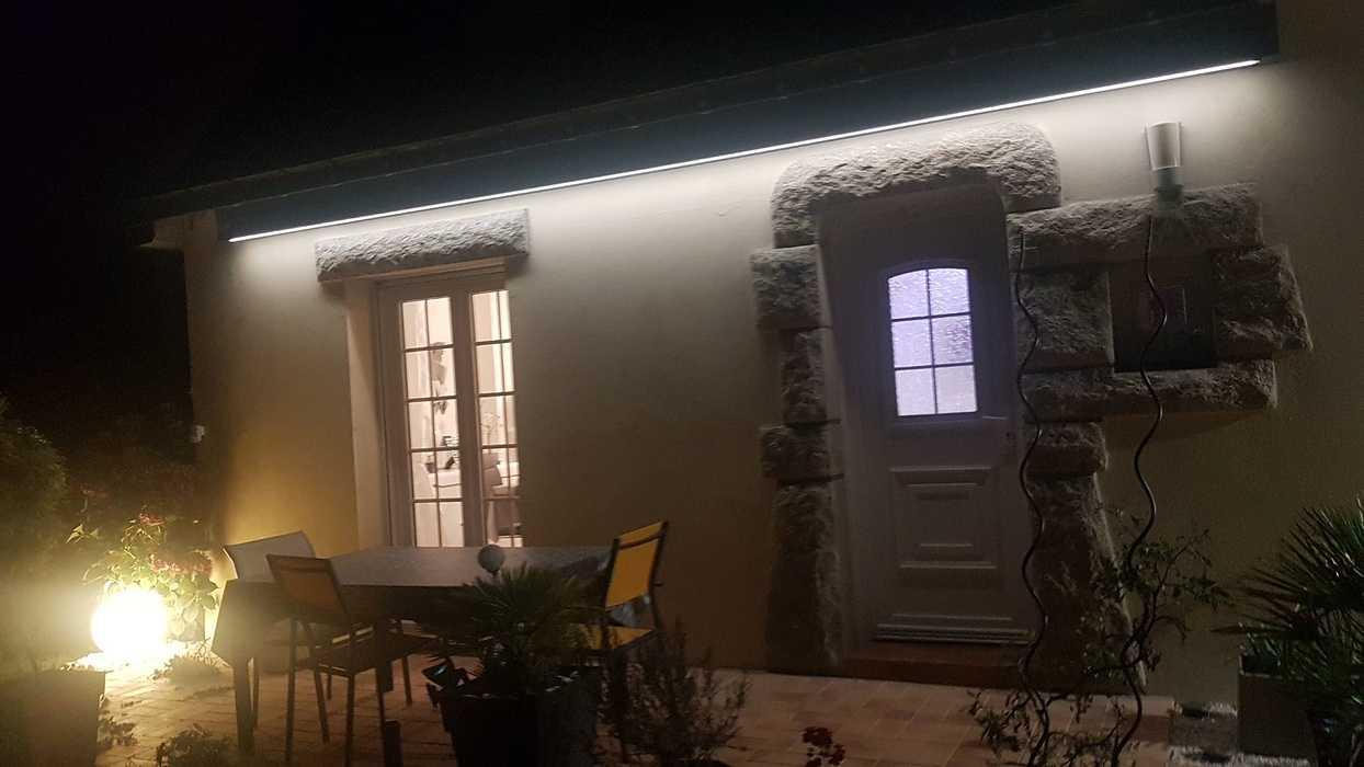 Store banne avec bras à LED resized202009012334347588001002