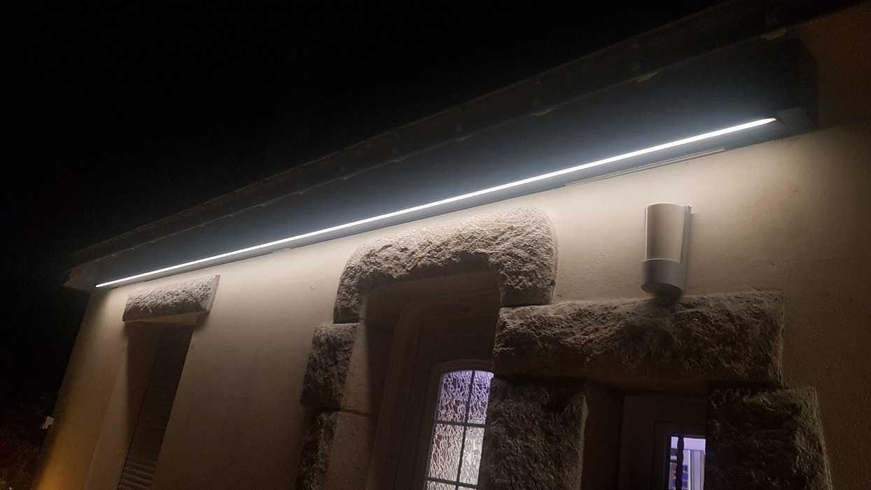 Store banne avec bras à LED 0