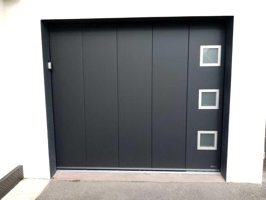 Pose porte de garage noire - déplacement latéral 0