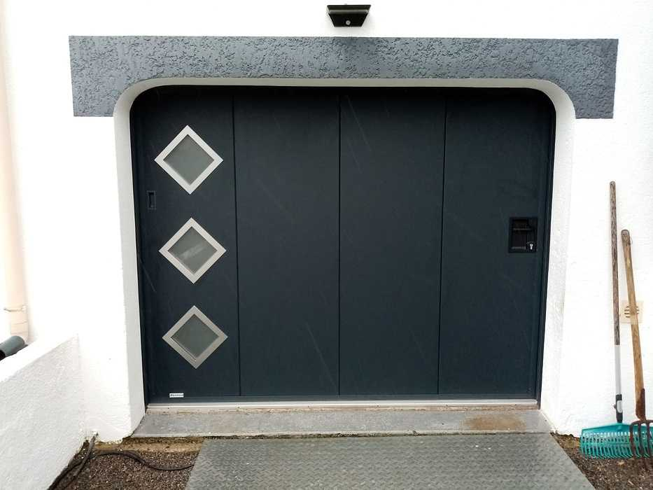 Installation porte de garage motorisée à déplacement latéral 0