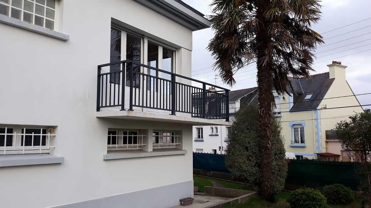 Installation de garde corps alu sur balcon - Lorient photo-2020-11-13-16-25-39