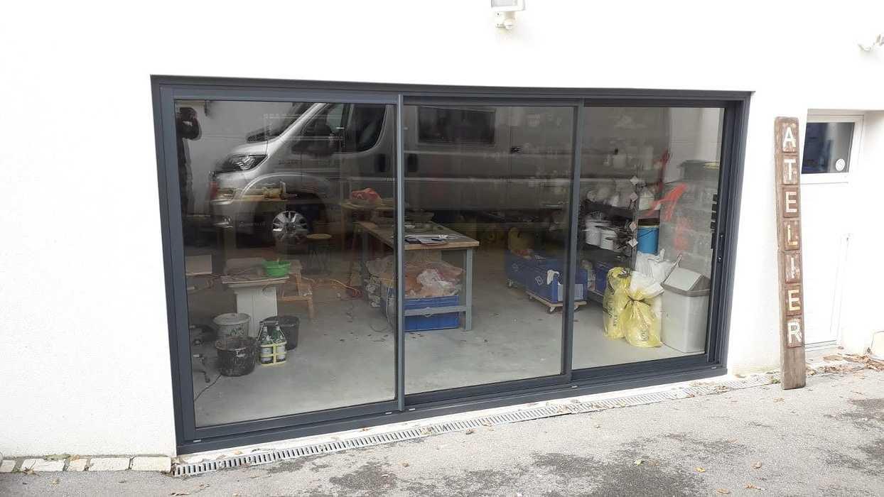 Installation baie aluminium 3 vantaux - Kervignac 0